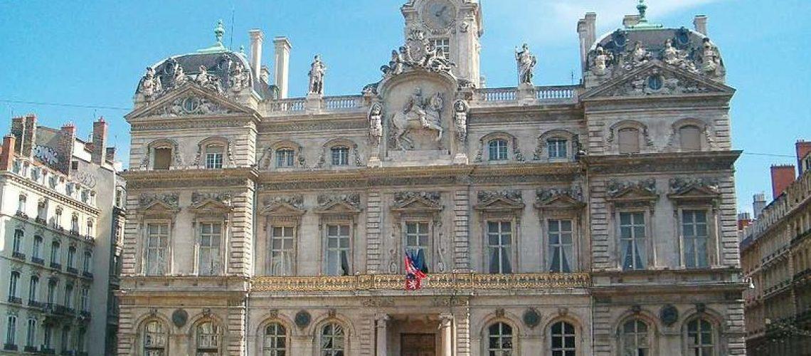 Lyon 1 hotel de ville victoria dunet